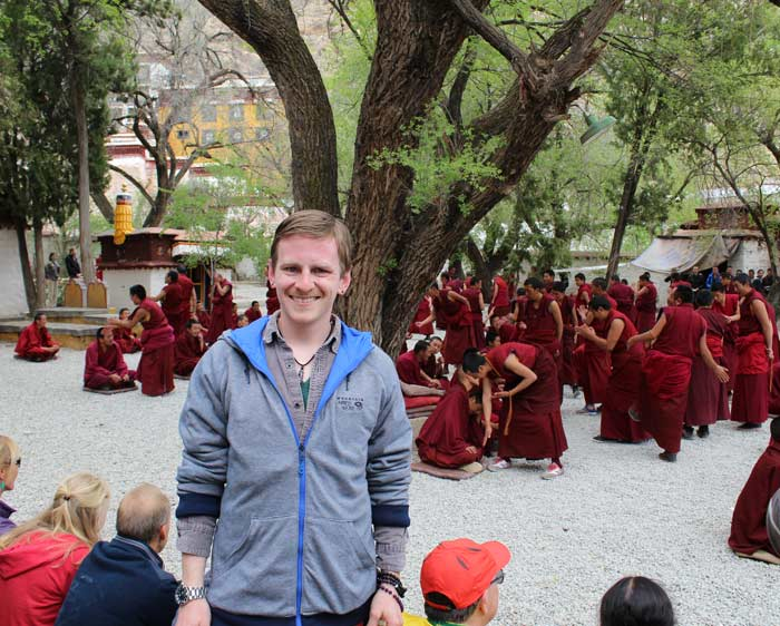 lhasa-highlight-group-tour-sera-monastery-monks-debate
