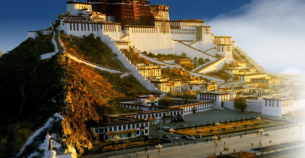 Potala Palace travel tips in Lhasa
