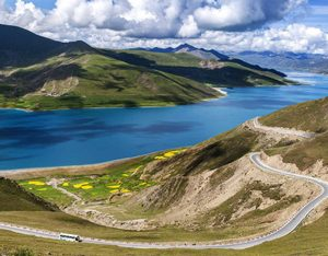 Top 10 Highlight Tibet Landmarks-Yamdrok Lake